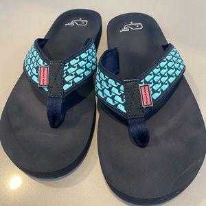 Vineyard Vines flip flop sandals sz 9 navy